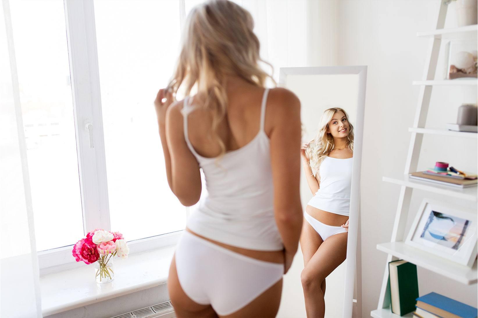 woman-in-mirror-white